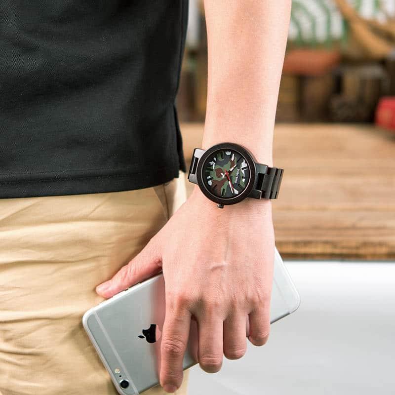Ebony Wood Classic Quartz Wristwatch 3